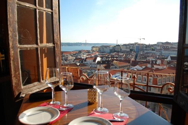 lissabon-portugal-udsigt-fra-restaurant-chapito-view-from-lisbon-lisboa-vild_zps21e0844f