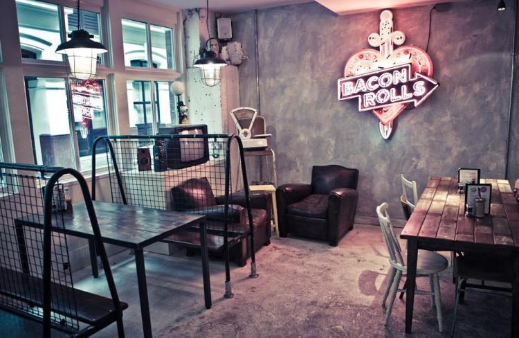 Spitalfields-the-breakfast-club-interior