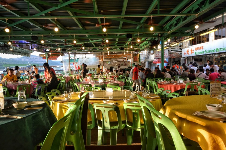 RAINBOW_SEAFOOD_RESTAURANT_INTERIOR
