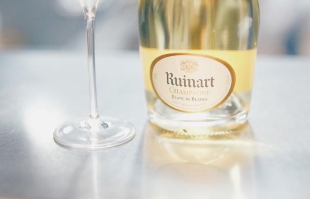club-des-vins-nicolas-ruinart-chez-guy-martin-1050x674