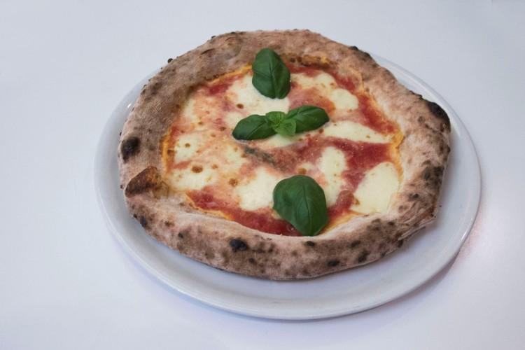 pizza-neromora
